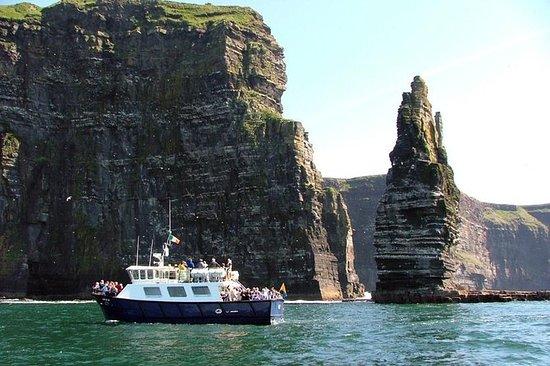 Cliffs of Moher Premium Tour med...