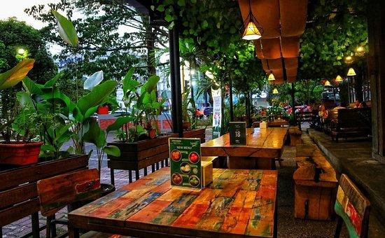 Front Side Cafe