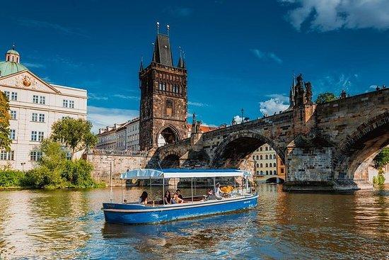 Prague Boats-rondvaart van een 1 over ...