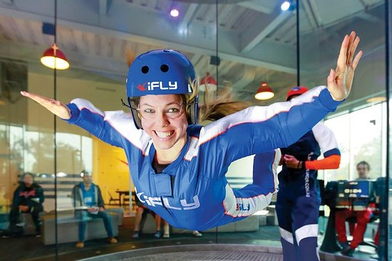 Kansas City Indoor Skydiving Admission with 2 Flights & Personalized Certificate: Kansas City Indoor Skydiving Experience