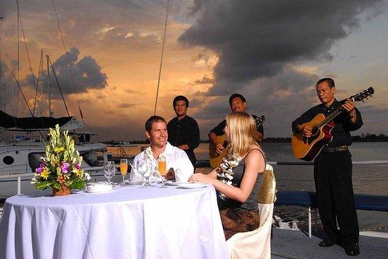 Bali Bounty crucero por la noche con...