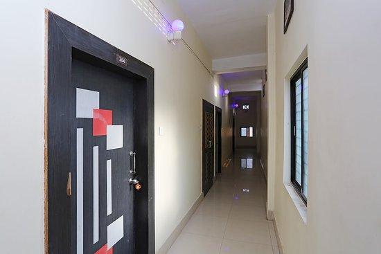 Hallway - Picture of OYO 14727 Prasanta Residency, Bhubaneswar - Tripadvisor