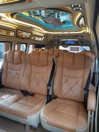 VAN RENTAL WITH DRIVER  https://jc-transportphuket.com/  PRICE INCLUDES : Driver Fuel used Insurance ***There is a surcharge for airport pick-ups / drop-offs Rates are valid for use on PHUKET ISLAND ONLY  How to book: WhatsApp +66896496164 Joe