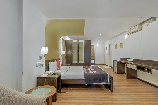 OYO 554 Hotel Red Carpet Residence Image