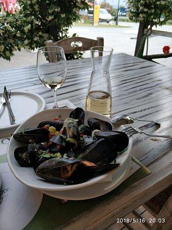 Acropoli : Таких крупных и вкусных морепродуктов никогда не пробовал!Рекомендую! 16 мая 2018 года