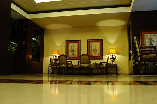 Casa D'or Hotel: Hotel Lobby
