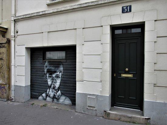 """Fresque """"Doigt dans le nez"""""""