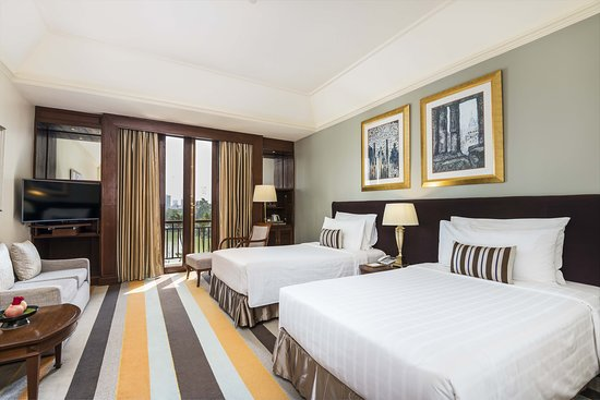 Grand Deluxe Room Lake View Twin