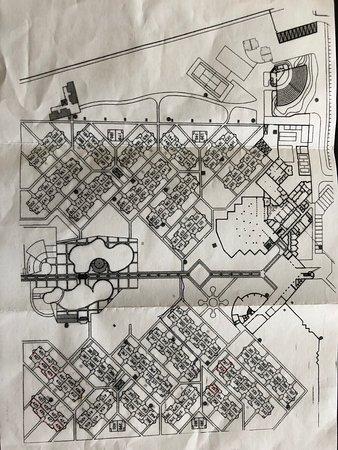 VOI Vila do Farol Resort: Karta över rummen. Havet till vänster nedanför poolen.
