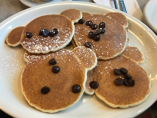 Thomas's Ham & Eggery Diner: Kid's Silver Dollar Pancakes with Chocolate Chips (teddy bear faces)