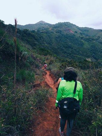 Caminata de 25min  hacia Charco Cajones: 64km de aventura y naturaleza.