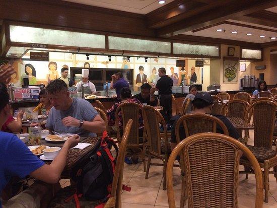 Matsalen var ofta fullbesatt om man kom ner till frukosten vid 08 tiden.