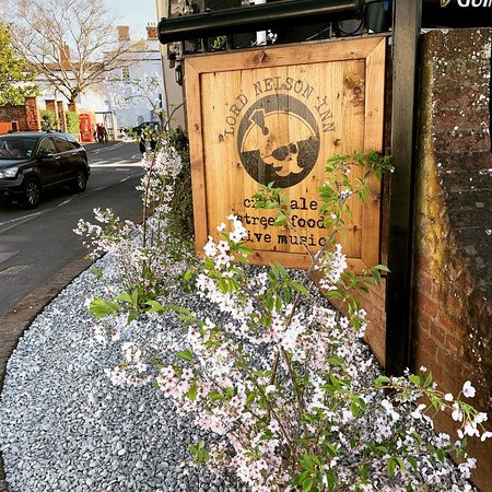 The Lord Nelson Pub: Spring Blossoms at the Lord Nelson