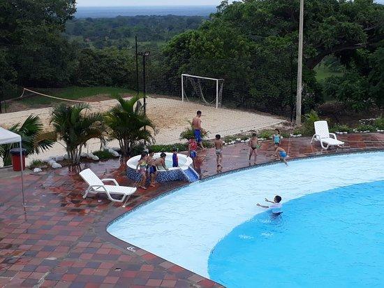 Dayamu Hotel Campestre: Piscina y sus alrededores, ¡siente el relax!