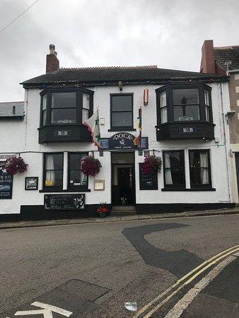 The Dock Inn: Original old Pub