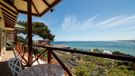 Le Gaulois Luxury Holiday Flats : L'Orchidee Apartment 3 View from Balcony over False Bay
