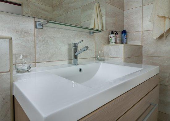 L'Orchidee Apartment 3 Stylish  Modern floating wash basin