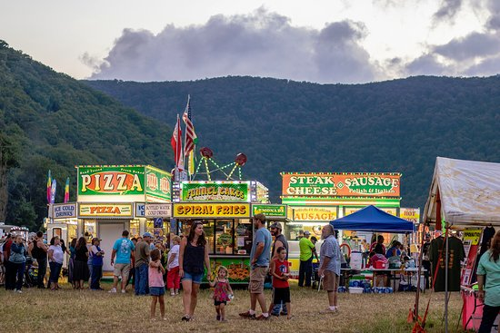 Nature's Mountain Playground - Pocahontas County: Pocahontas County is home to countless festivals and events, from carnival-like festivals, to hands-on experiential events, there is a festival for everyone and every family's interest in Nature's Mountain Playground!