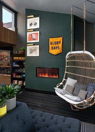 The Kinney San Luis Obispo: Lobby Sitting Area