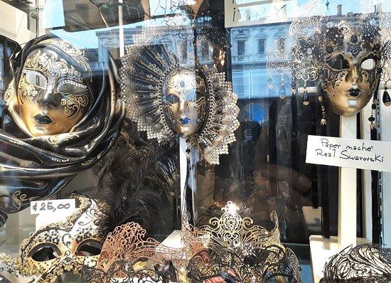 Mascaras expostas
