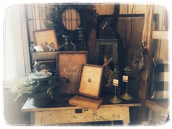 We offer Farmhouse, Vintage, Chic, gifts, and more