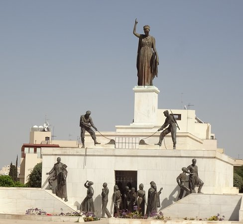 """Liberty Monument: """"Вира! Поднимай решетку! Выше!!"""" - командует Свобода))"""