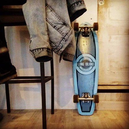 •skaters coffee lover🖤•#zoecoffeebar #streetstyle #coffee #100arabica #granada #callesanmatias#skategranada