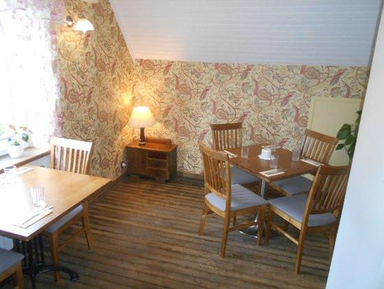 Restoran Mimosa: Ett av de mindre rummen på den övre våningen.