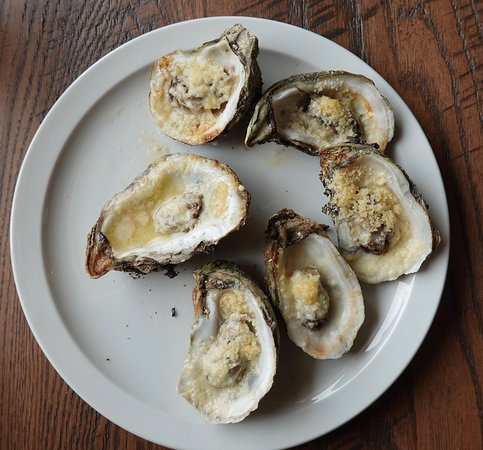Bob's Seafood: Roasted oysters.