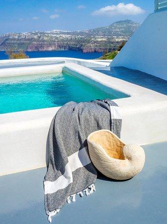 Honeymoon suite private plunge pool