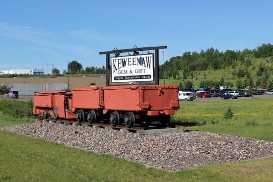 Houghton, MI: Iroquois Mine ore cars. Kids can hunt for treasures around the cars, including native copper, copper ore, petoskey stones, and crystals.