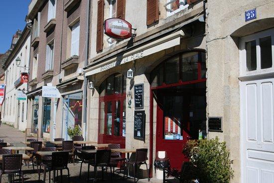 Brasserie de la Place: Vue extérieure de ce restaurant