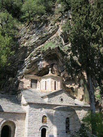 Proussos Monastery: η εκκλησία
