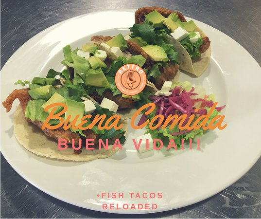 Rettro Restaurante Cantina Lounge: Cuatro Deliciosos Tacos de Pescado