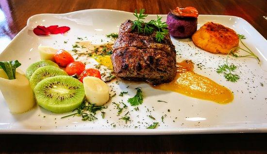 Achiote Ecuador - Cuisine: 250gr. beef tenderloin