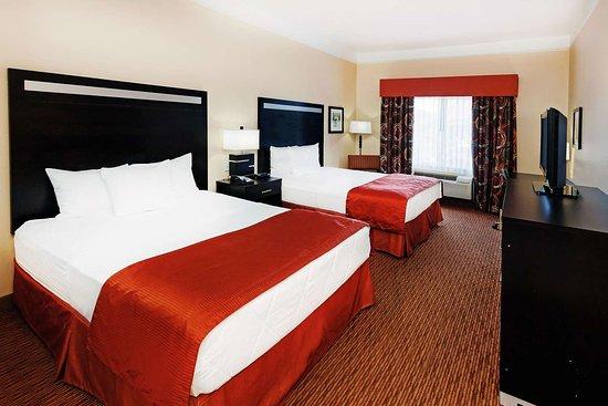 La Quinta Inn & Suites by Wyndham Okc North - Quail Springs