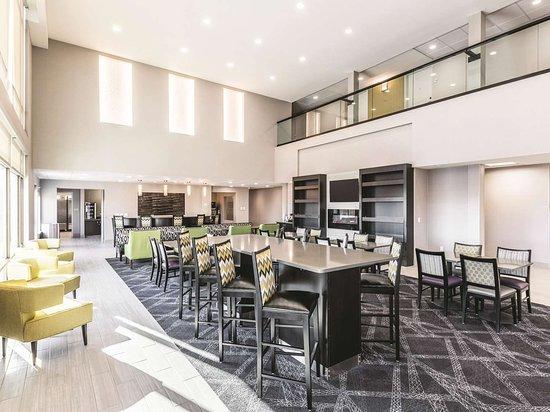 La Quinta Inn & Suites by Wyndham Walla Walla: Lobby