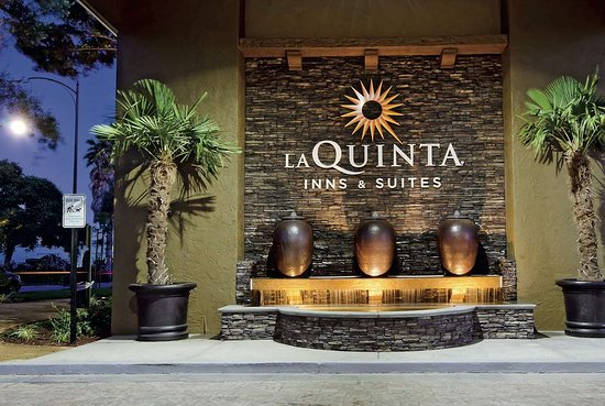 La Quinta Inn & Suites by Wyndham San Jose Airport