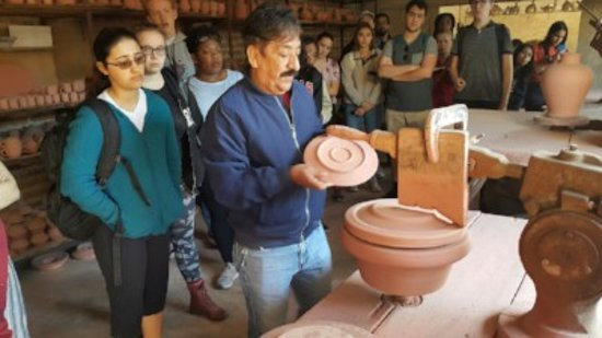 IMAC Spanish Language Programs: Our students attend a pottery workshop while in Tonala, Jalisco.