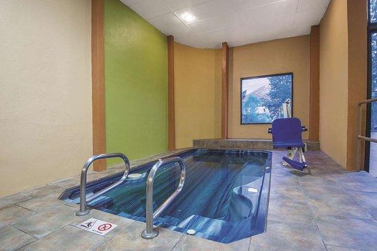 La Quinta Inn & Suites by Wyndham Silverthorne - Summit Co: Pool