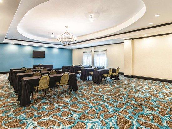 La Quinta by Wyndham Dallas Grand Prairie South: Meeting Room