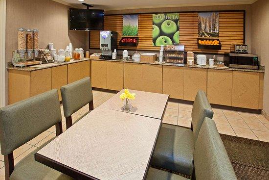 La Quinta Inn & Suites by Wyndham Nashville Airport: Property amenity