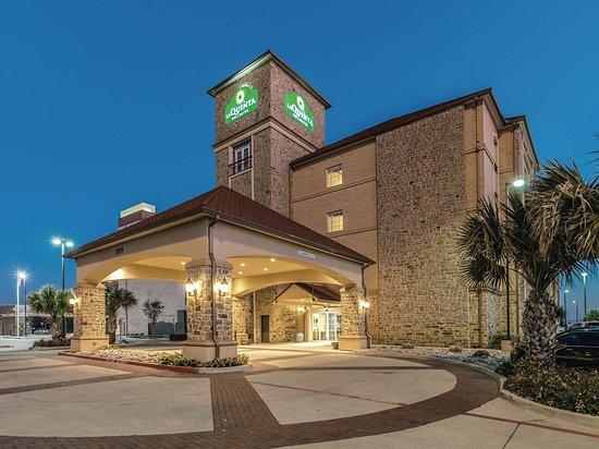La Quinta by Wyndham Dallas Grand Prairie South