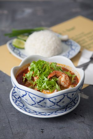 noodles in Tom yum soup