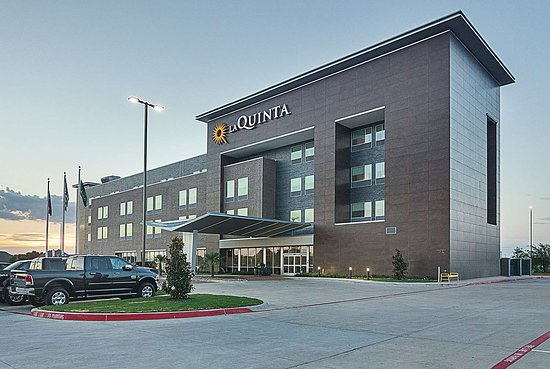 La Quinta Inn & Suites by Wyndham Plano Legacy Frisco