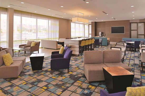 La Quinta Inn & Suites by Wyndham Page at Lake Powell: Lobby