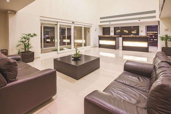 La Quinta by Wyndham San Luis Potosi: Lobby