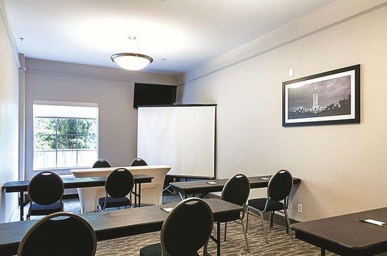 La Quinta Inn & Suites by Wyndham Houma: Meeting Room