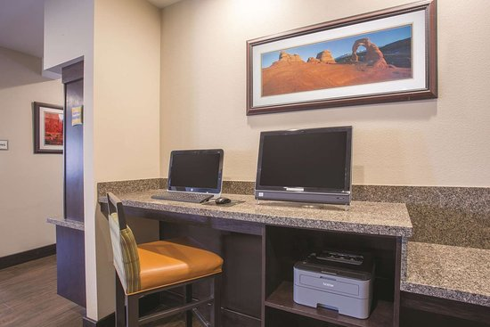La Quinta Inn & Suites by Wyndham Moab: Business Center