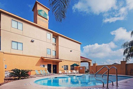 La Quinta Inn & Suites by Wyndham Pasadena